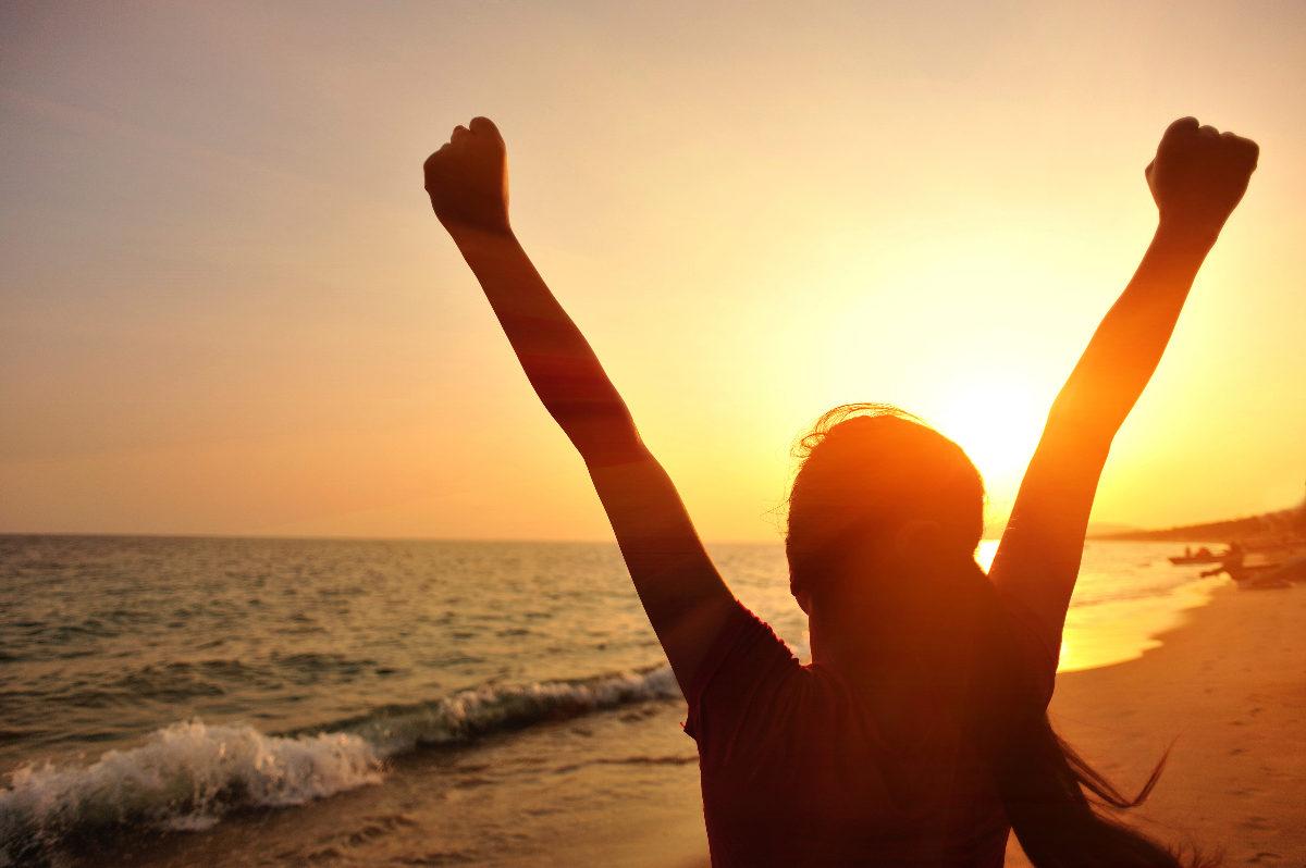 midzomer shine wilde ondernemer kayleigh smith avoja wild woman authentiek ritme natuurlijk sunlight shine awesome power freedom