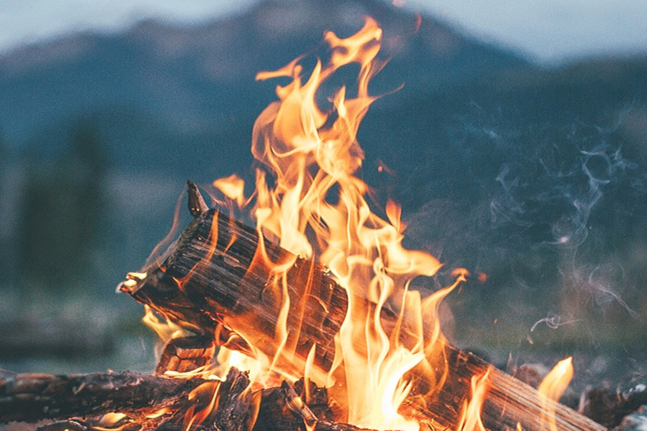 vuur fire overdag afternoon wilde ondernemer kayleigh smith avoja how to passie hart ondernemen ziel storytelling